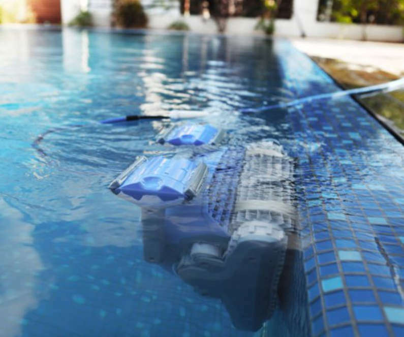 Dolphin Supreme M400 Pro Havuz Robotu